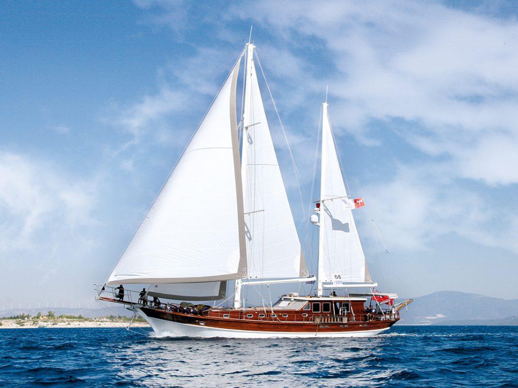 Mavi yolculuk aracımız Gulet tekneler nedir, özellikleri nasıldır, Gulet tekneler ile koyları gezmek